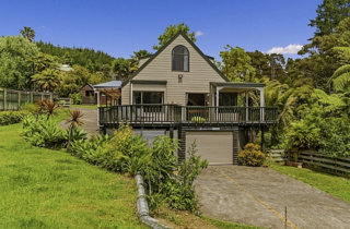 Nikau Retreat, Onemana Drive, Onemana (Bachcare) $175-$460 per night