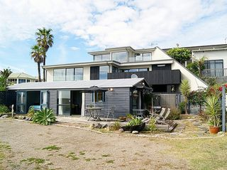 Brilliant Beachfront Bach, Pacific View Road, Papamoa, Tauranga (Bachcare): 2 night minimum stay