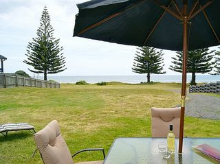 Ocean Bach, Ocean Road, Ohope Beach (Bachcare): 2 night minimum stay
