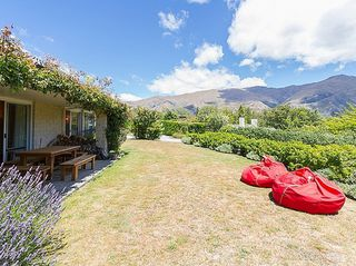 Eely Point Escape (Bachcare) Eely Point Road, Wanaka  - 3 night minimum stay