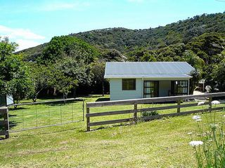 Cosy Cottage (Bachcare) Valley Road, Rocky Bay: 2 night minimum stay