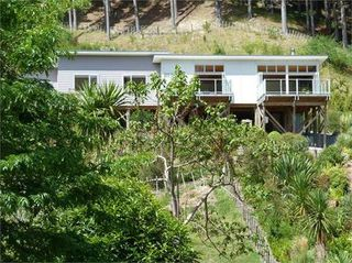 Sun Ray House, Shelley Road, Gisborne #1279: From $100.00 per night