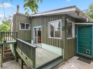 Broad Bay Treetop Hideaway, Frances Street, Dunedin (Bachcare)