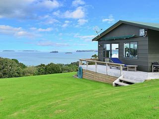 Oceans Escape (Bachcare) Takatu Road, Tawharanui: 3 night minimum stay