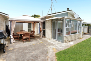 Casa Nostra, Sea Spray Drive, Mt Maunganui (Bachcare) From $155.00 - $275.00 per night