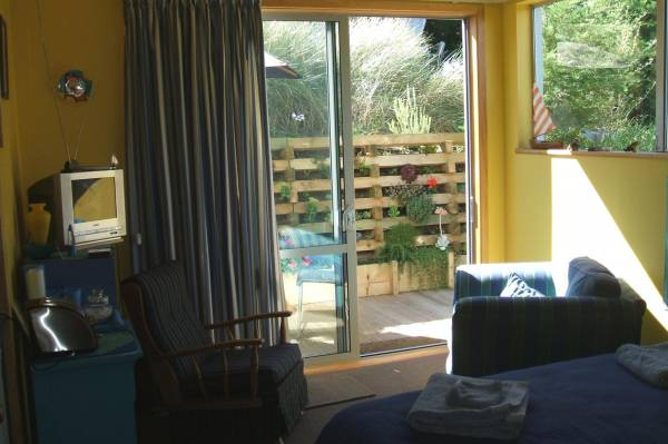 Hello Sailor, 6 Aston Drive Waimairi Beach Christchurch. #1249: From $95.00 per night