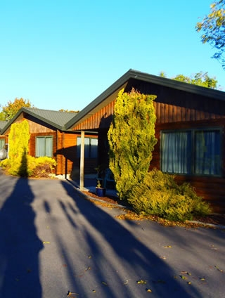 COTTAGE PARK MOTOR LODGE, 272 State Highway 1, Otaki  #1269: From $130.00 per night